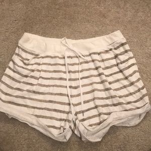 VS  Striped Shorts with 2 Front Pockets